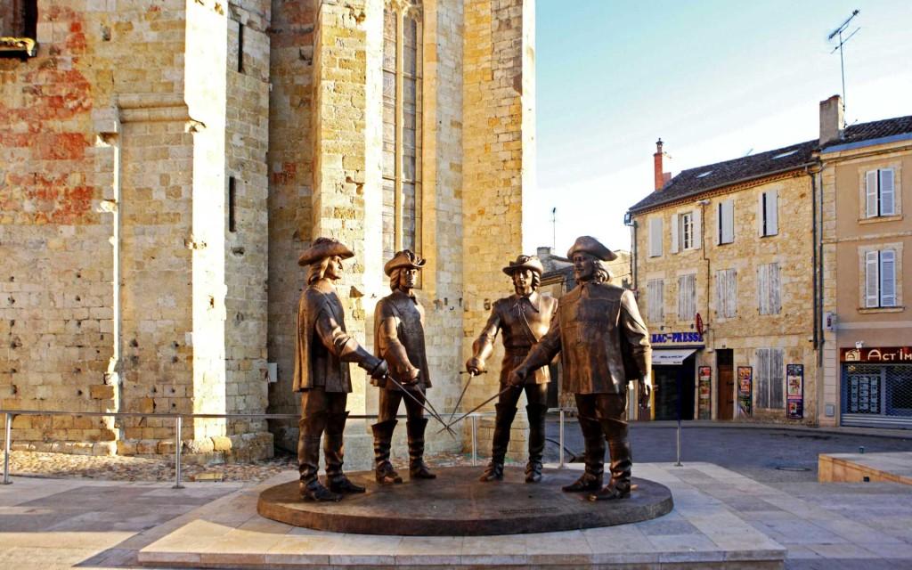 гасконь, франция, памятник мушкетерам