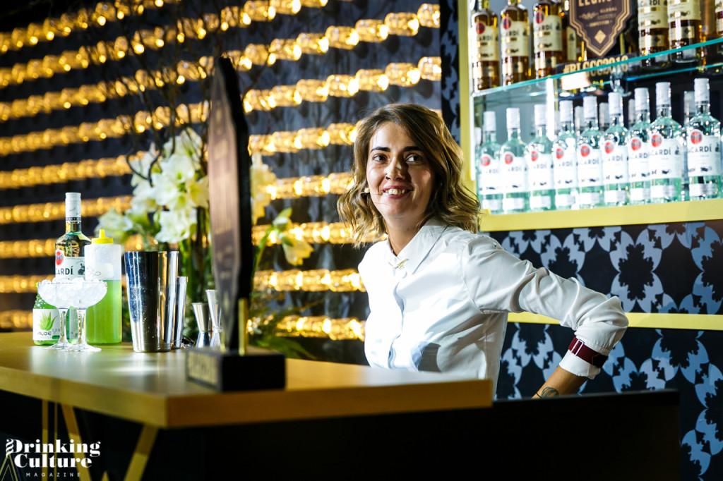 бармен Ирина Голубева
