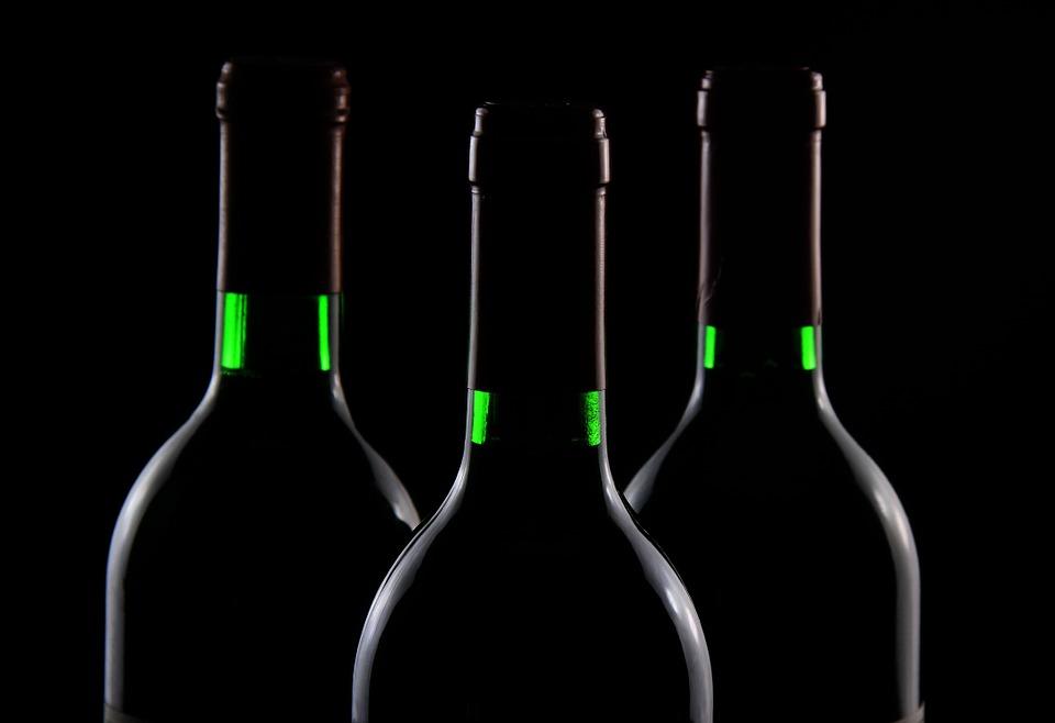 винное казино, поле для винного казино, казино, легальное казино, вино, бокал вина, красное вино, фишки, wine casino, алкоголь, алкогольные игры, купить винное казино, бутылки вина,