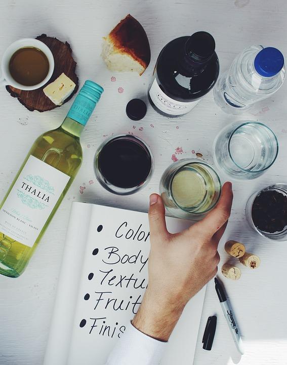 винное казино, поле для винного казино, казино, легальное казино, вино, бокал вина, красное вино, фишки, wine casino, алкоголь, алкогольные игры, купить винное казино, бутылки вина, бокалы, бокал с вином, белое вино, дегустация