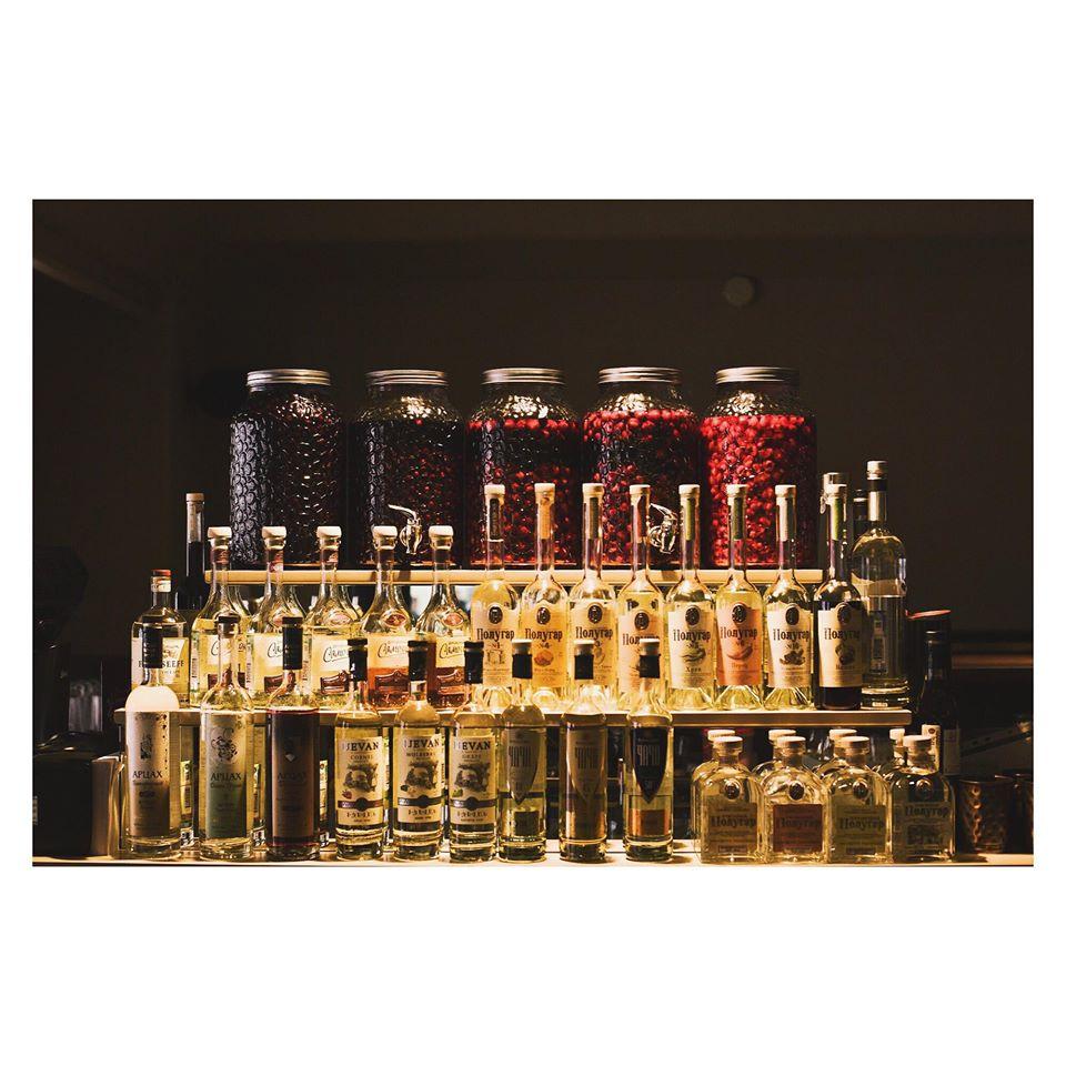 orthodox, russian bar, dcw magazine, ортодокс, русский бар, бар на рубинштейна, дмитрий суворов, бары петербурга, питерский бар, бутылки, русский алкоголь