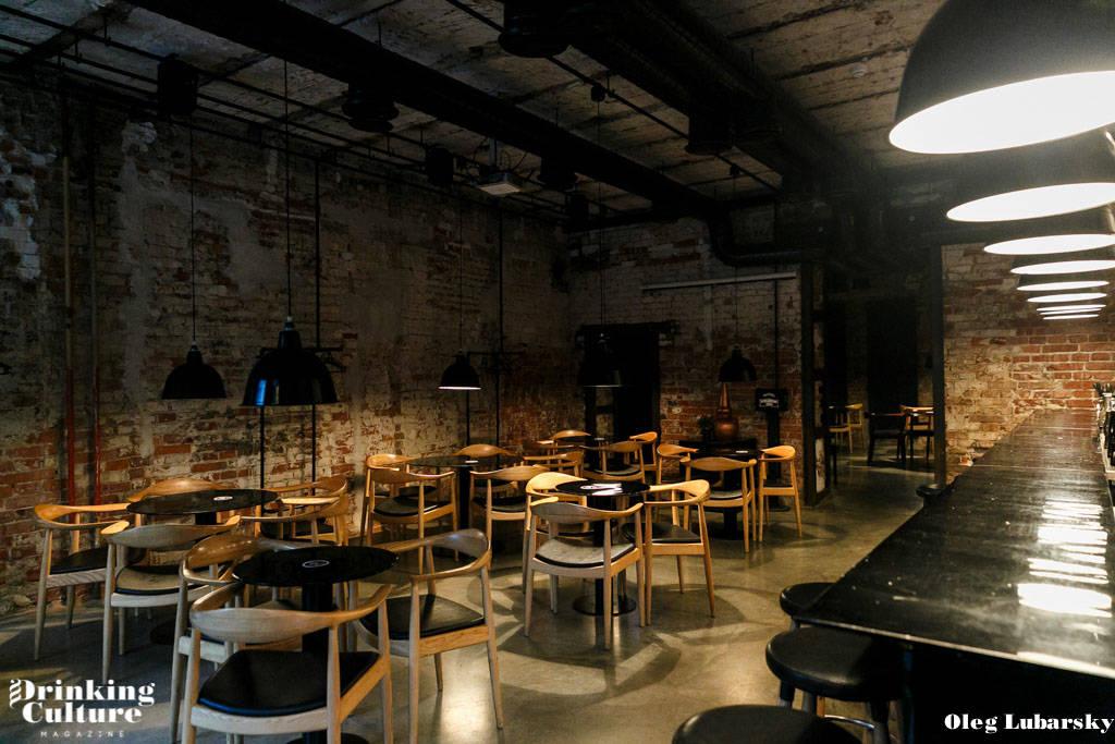 куда пойти во Владивостоке, Мушнайн бар, Moonshine bar