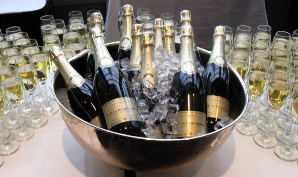 завтрак с шампанским