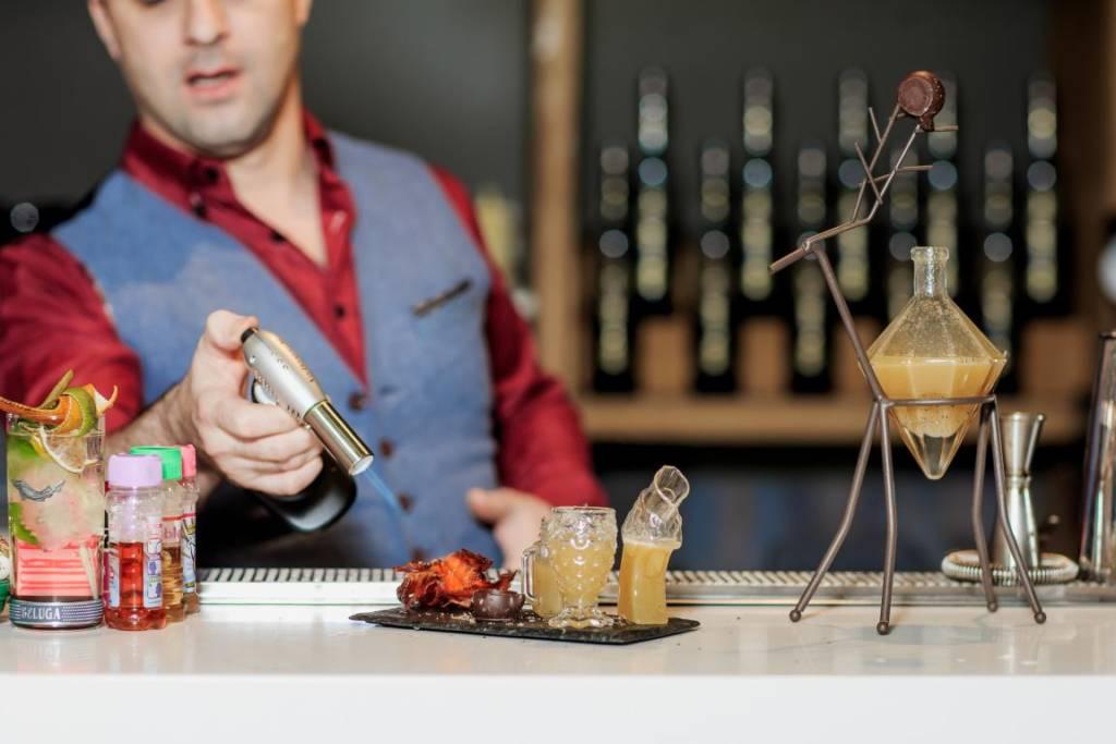 Beluga Signature Bartender School, DCW Magazine, Мариан Беке