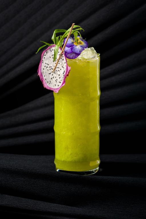 бар Community, коктейль, оригинальная подача, красивый коктейль