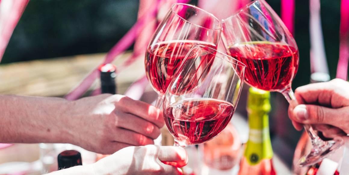 pink summer, простые вещи new vintage, винный бар, розовое вино, летняя веранда, бар в саду