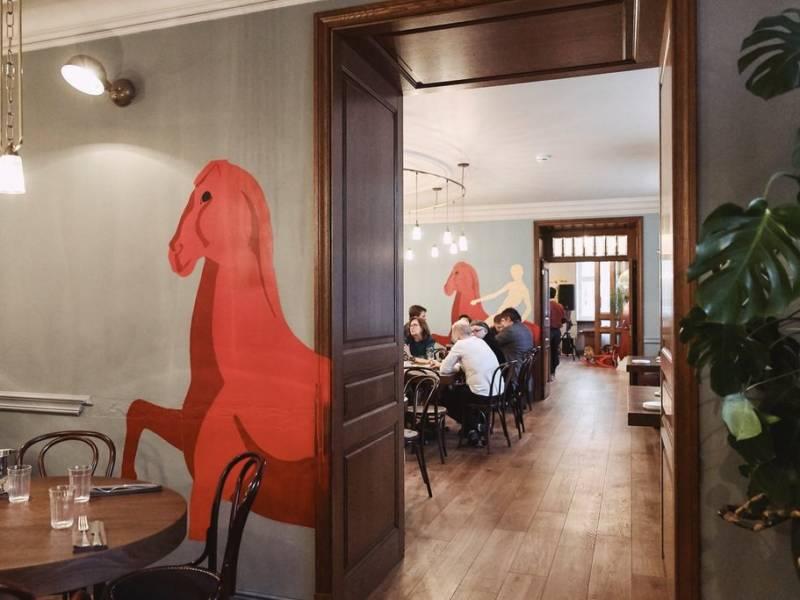 петров-водкин, ресторан русской кухни, тапас-бар, красный конь