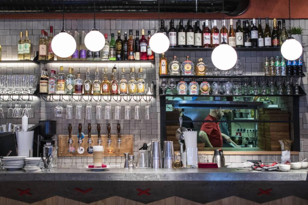 ресторан гужва, бар, сербская кухня, сезонное меню, сербский алкоголь