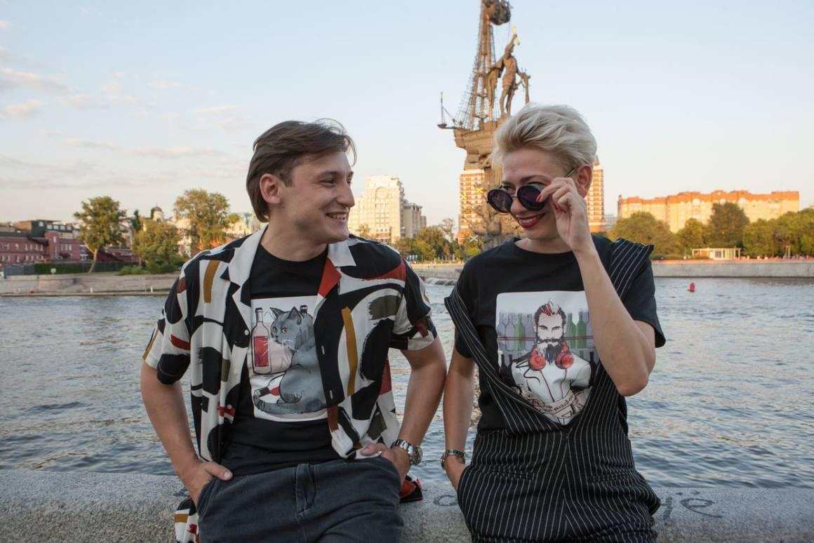 bazar family, дизайнерская футболка, футболки с принтами, сеть «Винный базар», бар Танцы. food&people, гастробар «Игристый», коллекция футболок
