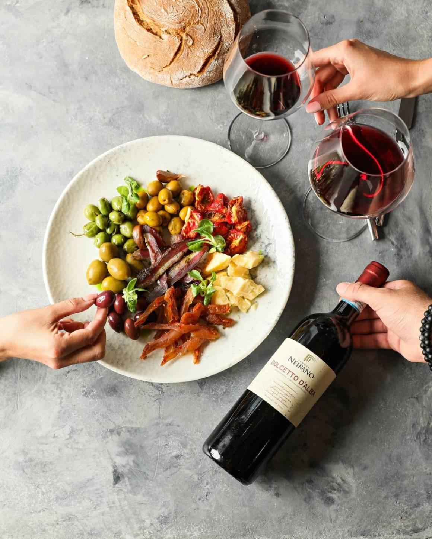 винный бар, винный бар на сретенке, винная карта, вино, вино и морепродукты