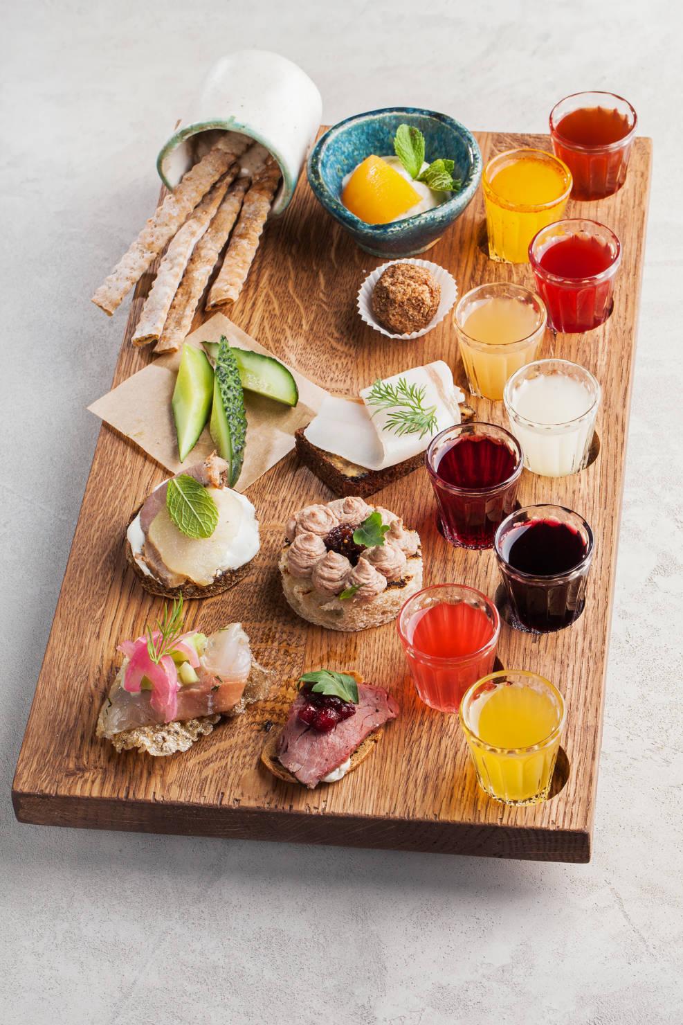 ресторан банщикик, сезонное меню, летние коктейли, коктейли с ягодами, дегустационный сет, домашние настойки