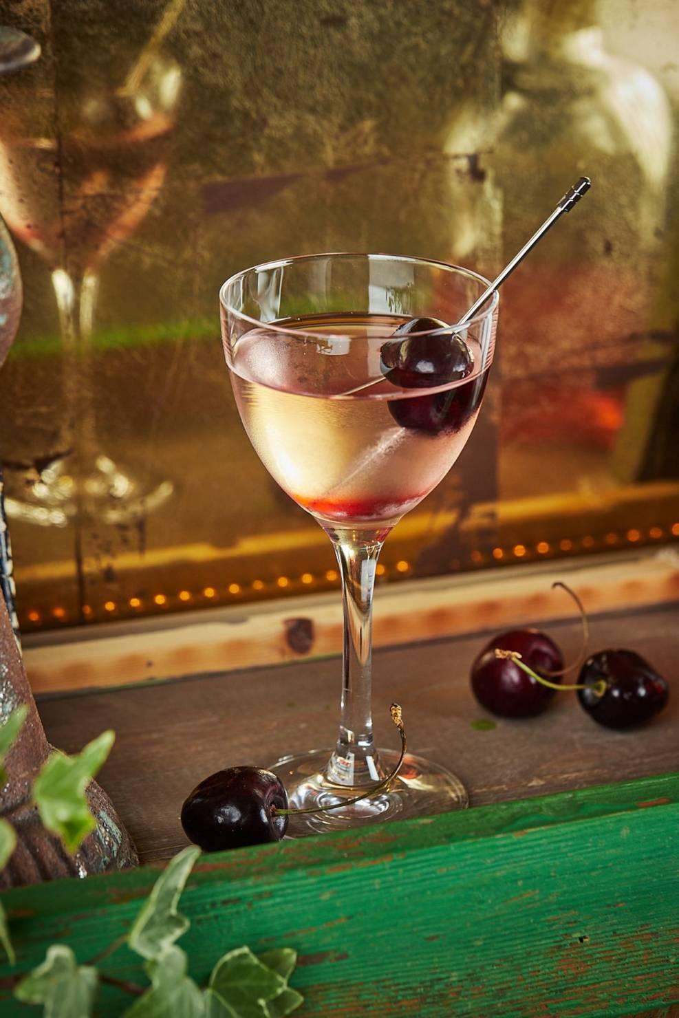 коктейли, коктейльная карта, ресторан christian, беллини, летние коктейли, сбаоансированный коктейль, коктейль для пятницы