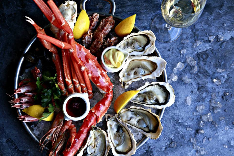 la perla seafood bar, коктейли , устрицы, вино, шампанское