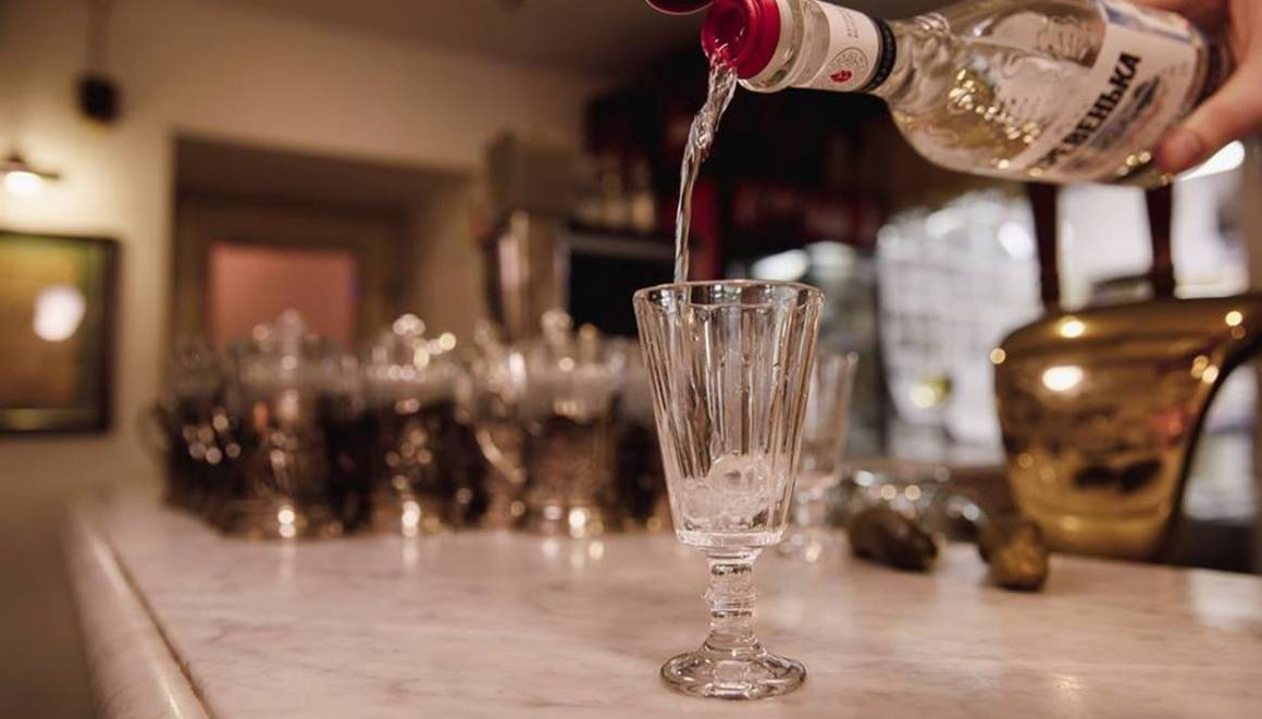 русская рюмочная, водка, крепкие напитки, согревающие напитки, водка
