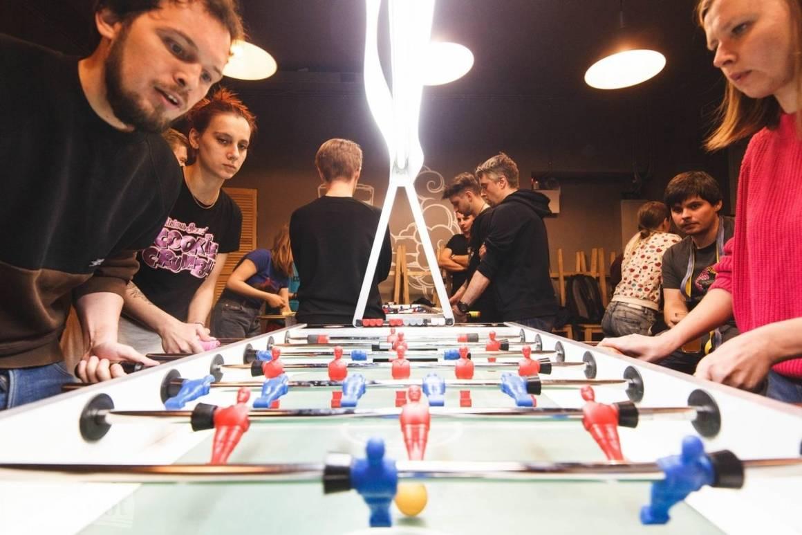 кикер, бар, барная жизнь, кикер в баре, настольный футбол, лига настольного футбола, foosliga, dcw magazine