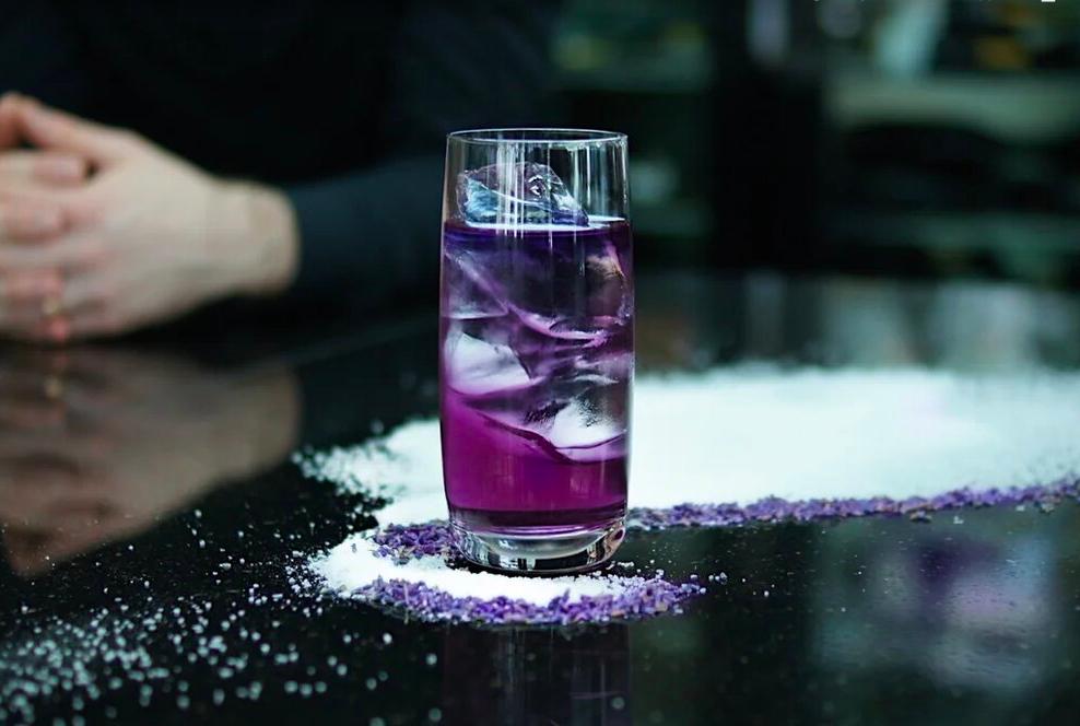 коктейль, фиолетовый коктейль, sixty ресторан, оригинальная подача, коктейльное меню
