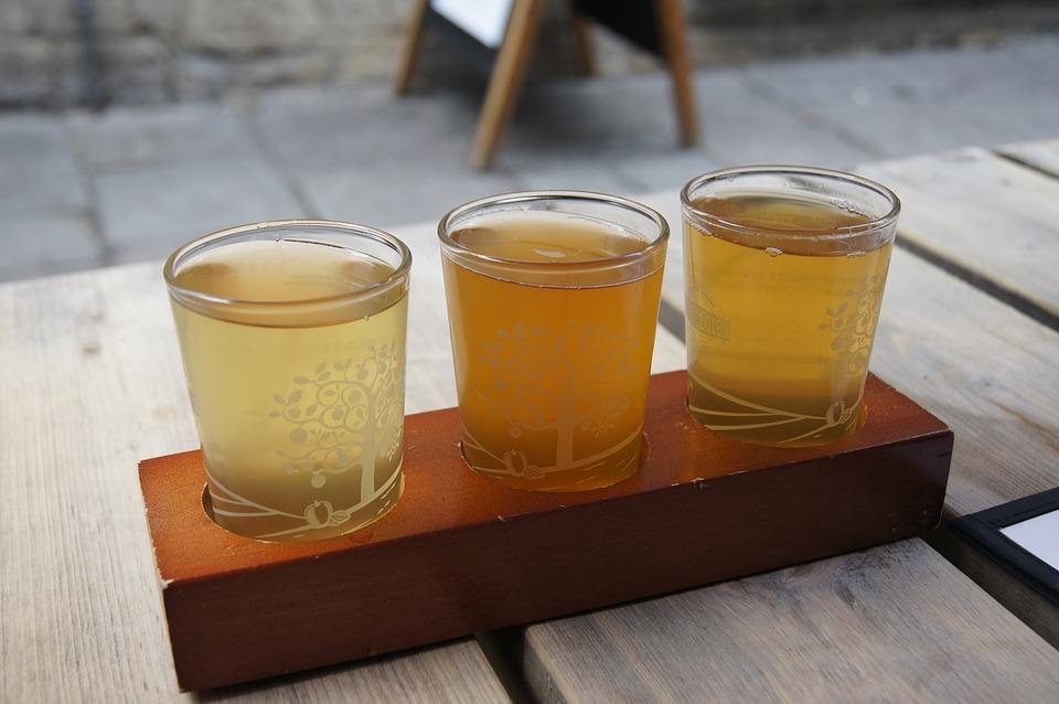 яблочный сидр, яблоки для сидра, русский сидр, russian cider, бокалы с сидром