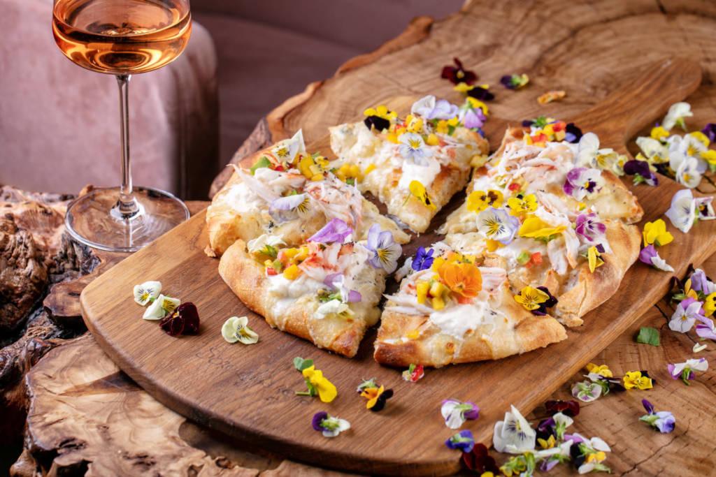 Scrocchiarella, куда пойти на 8 марта, куда пойти в Петербурге, 8 марта, комплимент для девушек, куда пойти в москве, пицца