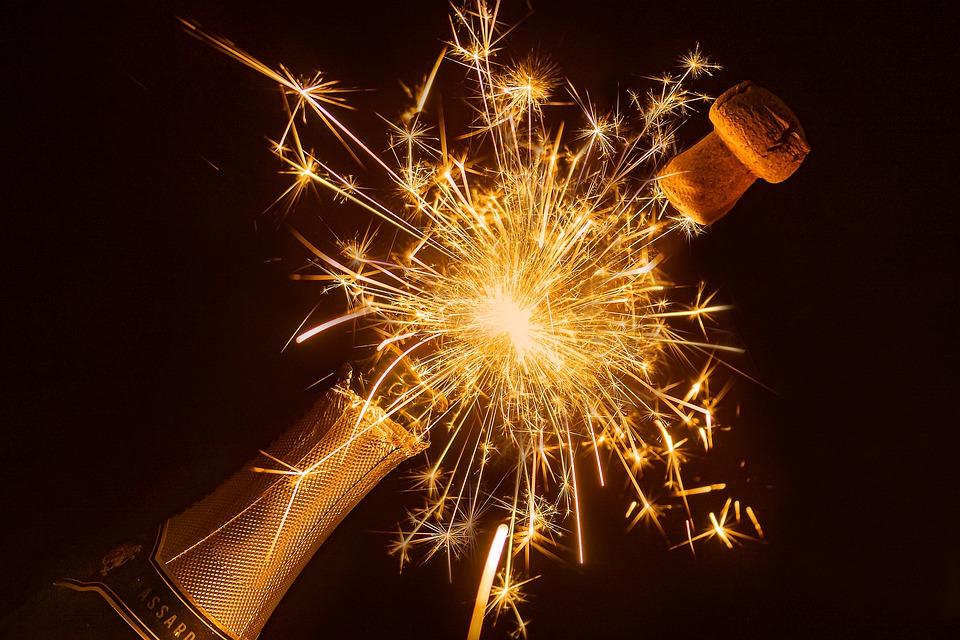 сабраж, как открыть бутылку саблей, как открыть бутылку без, открыть бутылку по-гусарски, пробка, бутылка шампанского