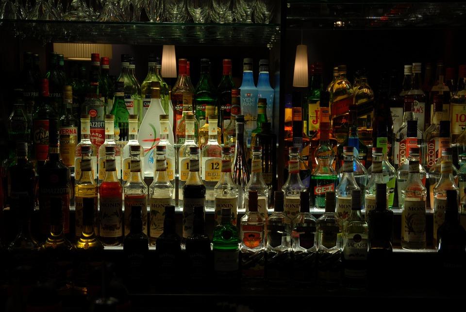 барные тренды, бар, как быть модным, тренды барной индустрии, модны коктейли, алкоголь, коктейль, напитки, бутылки