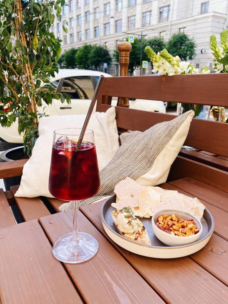 bilbaо, счастливые часы, коктейль, закуски, испания в петербурге, ресторан, куда пойит в петербурге