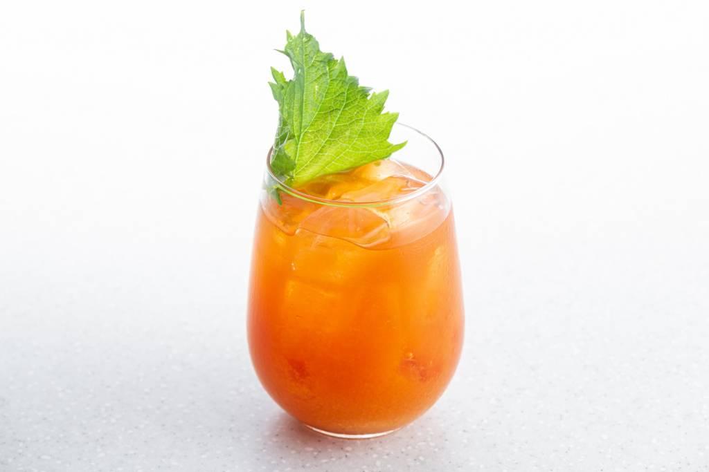 Летние коктейли, Martini Fiero Spritz, Kuznyahouse, фото коктейля, DCW Magazine, журнал о барах