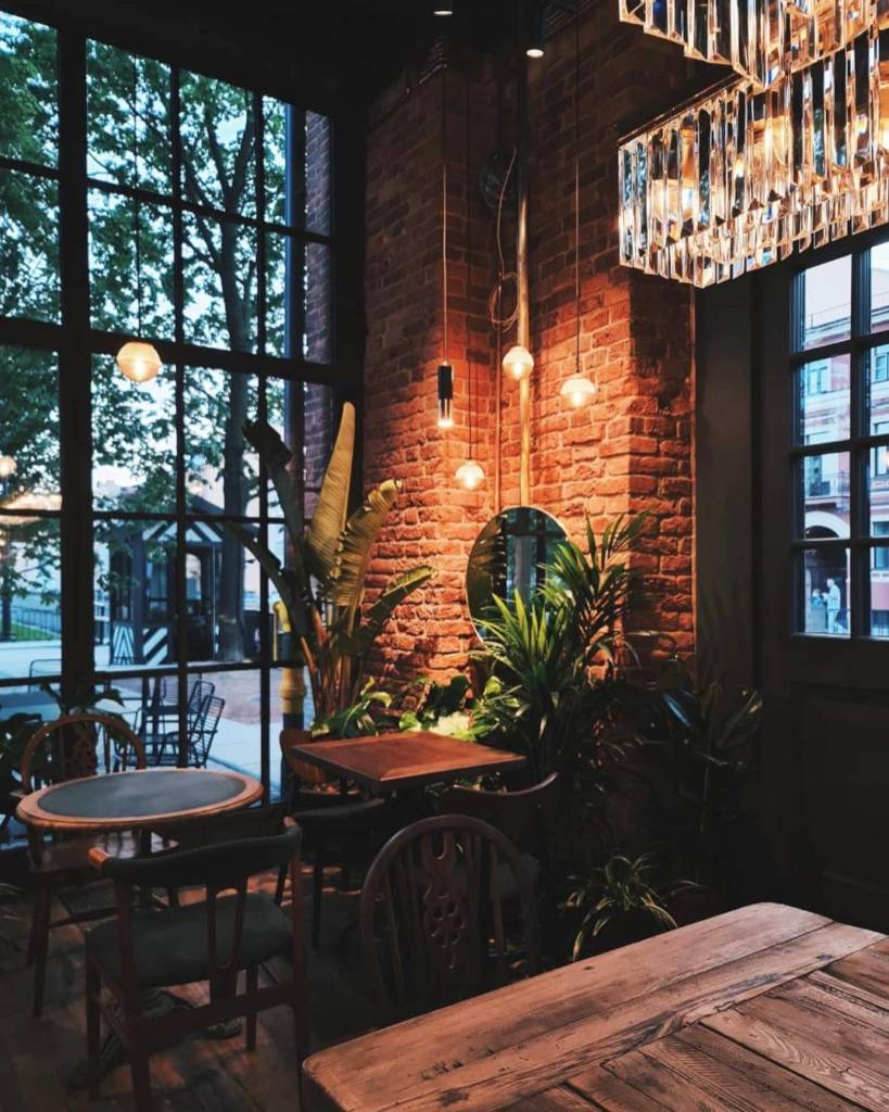 cococo bistro, dcw magazine, матильда шнурова, рестораны петербурга, новая голландия, куда пойти в петербурге, игорь гришечкин, кококо бистро, журнал о барах, интерьер ресторана, ресторан шнуровой