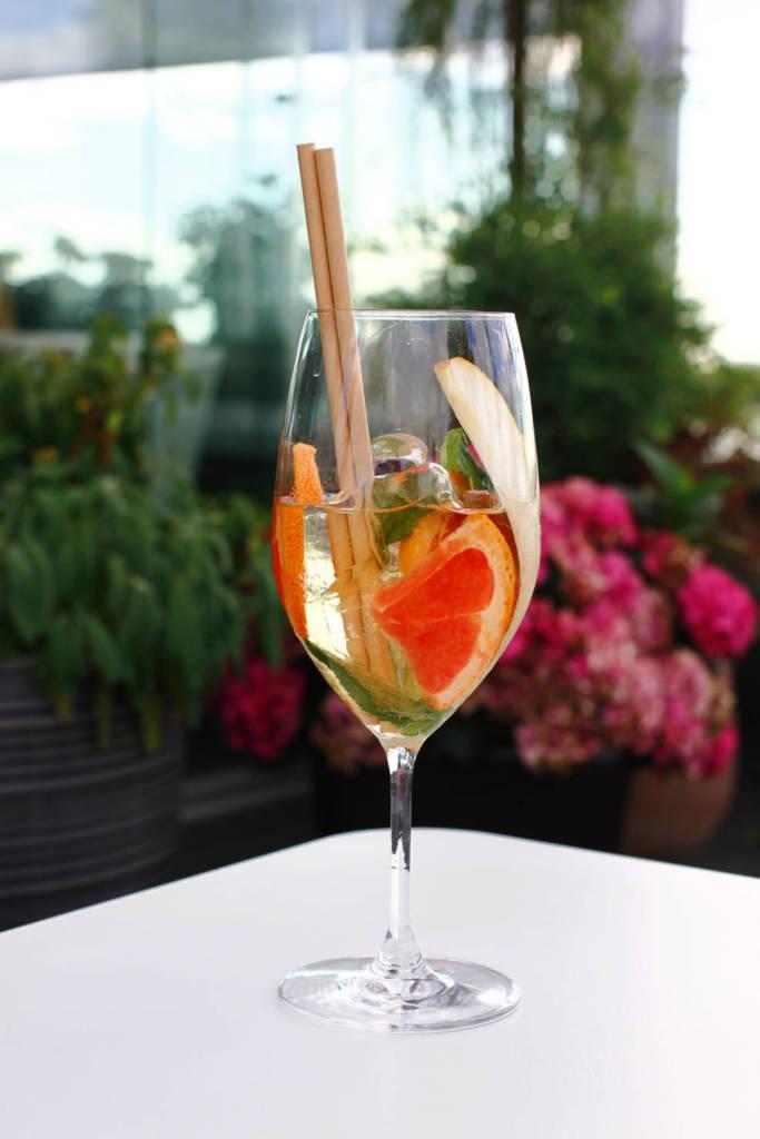 коктейль, коктейльная карта, куда пойти в СПб, рестораны Петербурга, ресторан вино и вода, кинококтейли, кино, головокружение, коктейль на вине, винный коктейль