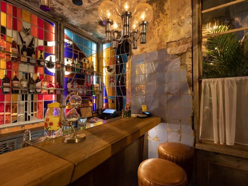 тройничок бар, самый маленький бар, самый маленький бар в мире, DCW Magazine, журнал о барах, бары москвы, профсоюз москва, барный кластер, дмитрий левицкий