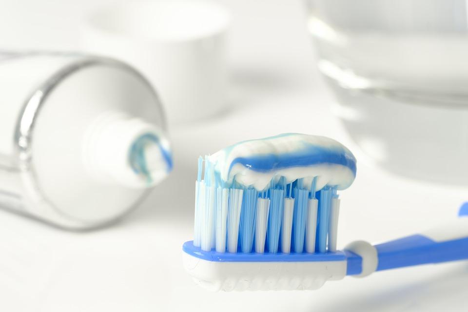 зубная паста, зубная щетка ,как избавиться от перегара, перегар, похмелье, гигиена полости рта, здоровье