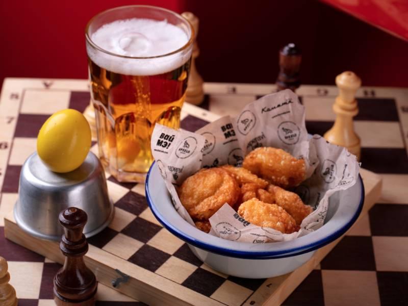 маринованное яйцо, всемирный день яйца, комета бар, пиво, яйцо, шахматная доска