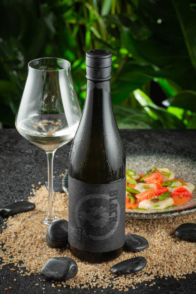 вино, винная карта, ресторан chang, черная бутылка вина, винный бокал
