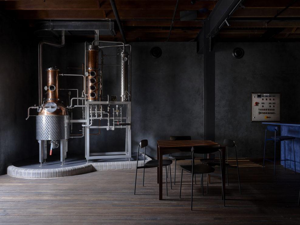 дизайн бара, джин, Four Pillars, австрадия, австралийский джин, дистиллерия, куда пойти в сиднее, сидней, бар, производство джина, перегонный аппарат
