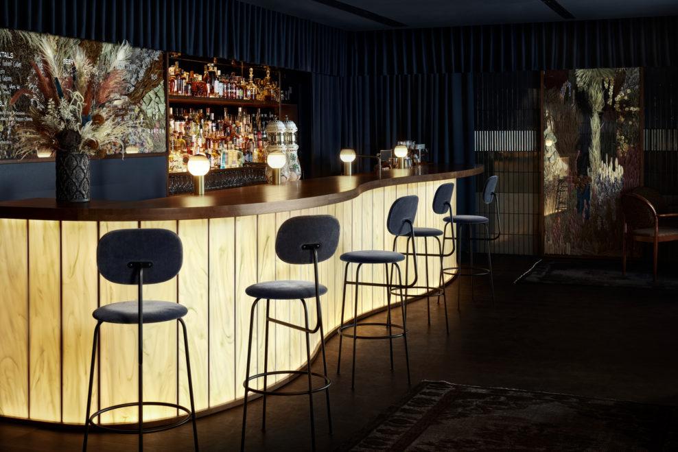 коктейльный бар, куда пойти в хельсинки, дизайн бара, бар в Хельсинки, dcw magazine