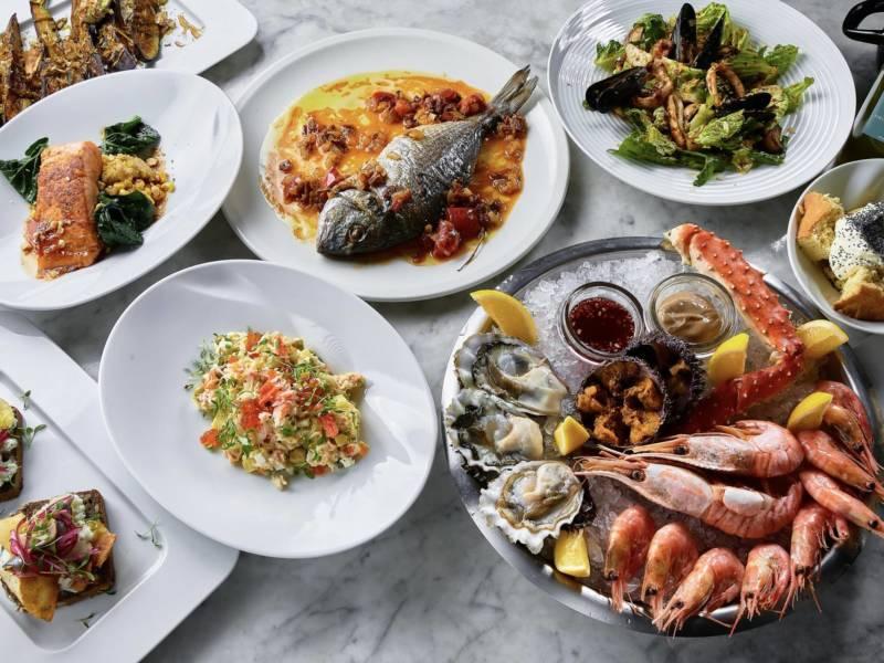 La Perla Seafood Bar, Orthodox, DCW Magazine, похмельный бранч, куда пойти в петербурге, шаверма с крабом, оливье с крабом, морепродукты, новый год
