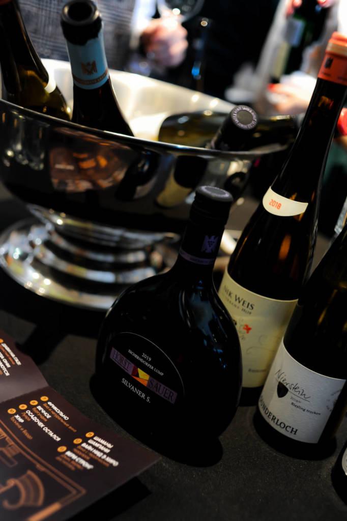 тренды 2021 года, вино, трендовое вино, модное вино, что пить в 2021 году, какое вино модное, l-wine, simple wine, dcw magazine, тренды года 2021, бутылки вина