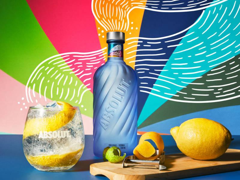 Absolut Vodka, водка абсолют, экология, переработка, красивая бутылка, дизайн, синяя бутылка, dcw magazine