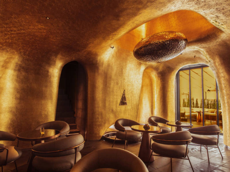 золотой бар, виски-бар, виски, стиль, дизайн бара, дизайн интерьера, dcw magazine, журнал о барах
