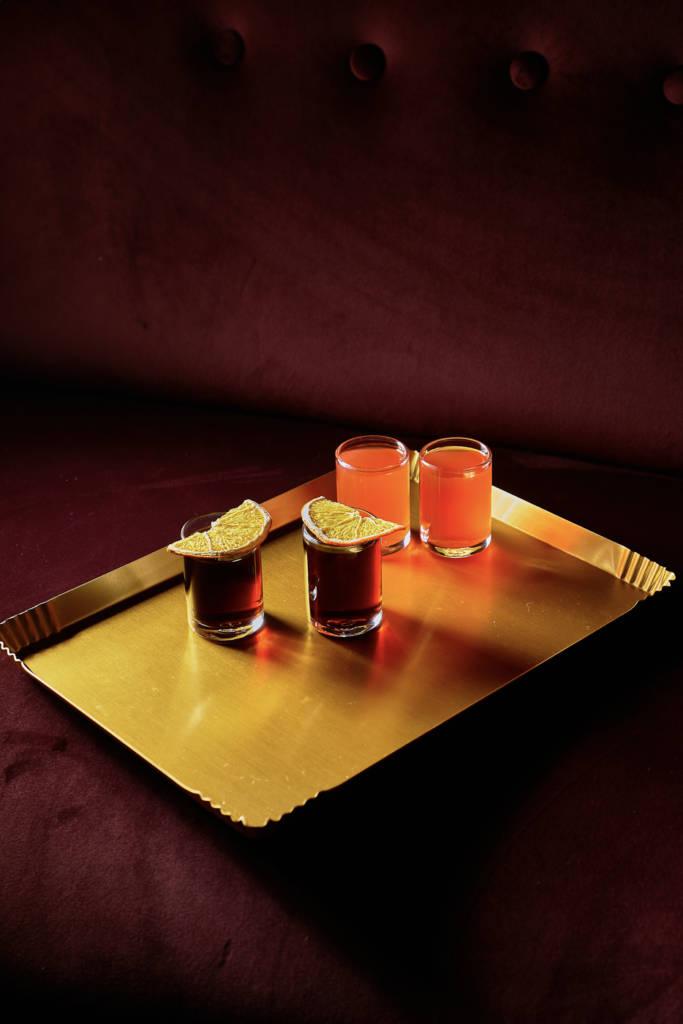 PRIMI Aperitivo Bar, DCW Magazine, журнал о барах, коктейль, фото коктейля, шопы, подача шотов