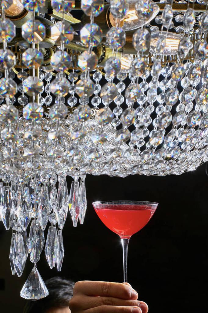 PRIMI Aperitivo Bar, DCW Magazine, журнал о барах, коктейль, красный коктейль, фото коктейля
